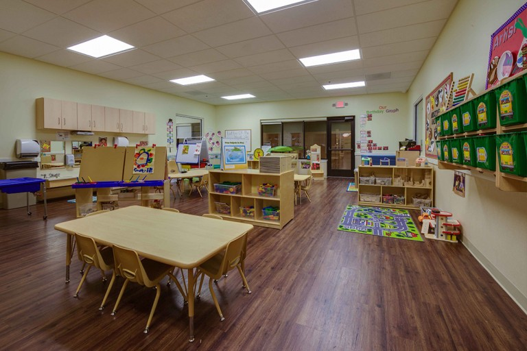 Herndon preschool classroom with desks and toys